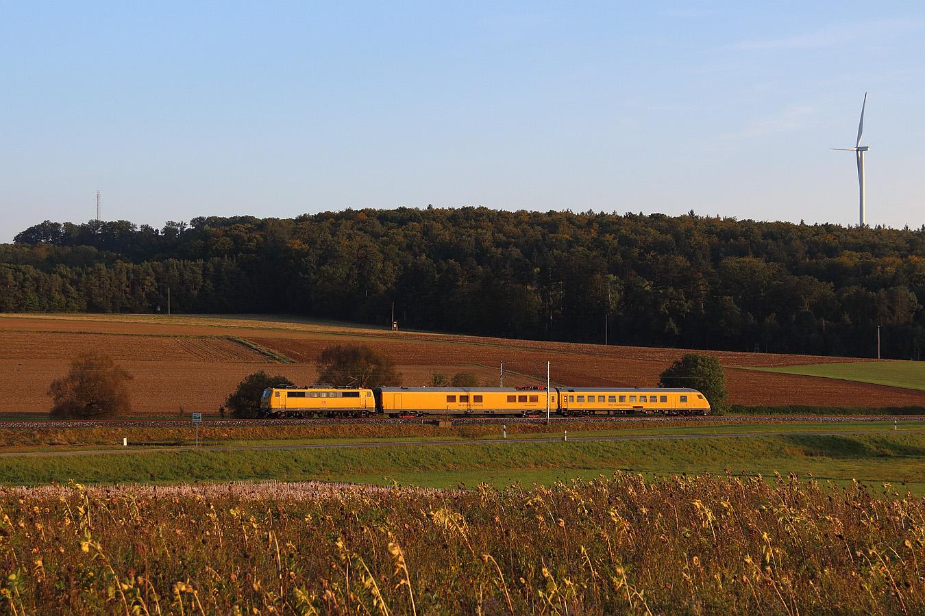 http://www.eisenbahnfotos-online.de/webspace/111059gg-210917-teu-1350.jpg